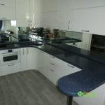 кухня цвет-белый, стиль-модерн, тип-с барной стойкой, кухня модерн М12