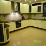 кухня цвет-бежевый, стиль-модерн, тип-п-образная, кухня модерн М09