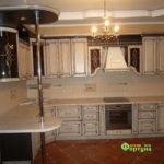 кухня цвет-кантри, стиль-классический, тип-с барной стойкой, кухня классическая К3