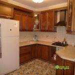 кухня цвет-кедр, стиль-классический, тип-п-образная, кухня-классическая К35