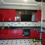 кухня цвет-красный, стиль-модерн, тип-угловая с барной стойкой, кухня модерн М24