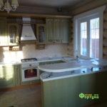 кухня цвет-оливковая, стиль-классический, тип-с барной стойкой, кухня-классическая К31