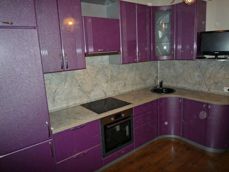котором королева фото мдф пленка кухня рубин металлик цветом она достигает