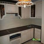 кухня цвет-ясень снежный, стиль-классический, тип-угловая, кухня классическая К05