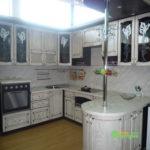 кухня цвет-белый, стиль-классический, тип-с барной стойкой, классическая К11